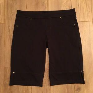 Athleta Bettona Bermuda Shorts